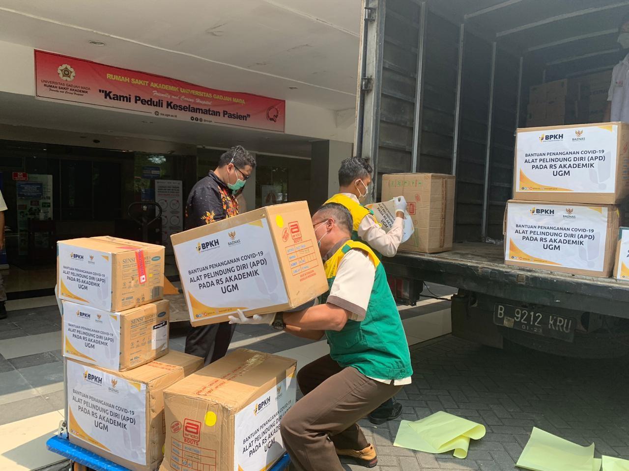 BAZNAS Kembali Salurkan Peralatan APD ke Berbagai Rumah Sakit