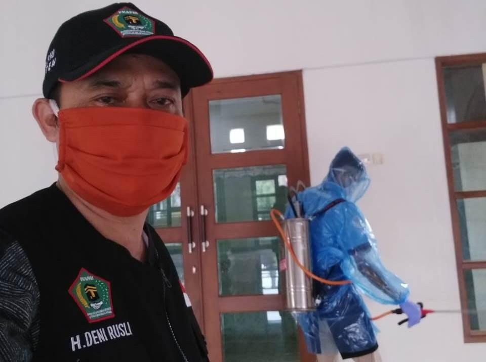 bersih_masjid_di_banten_oke.jpg